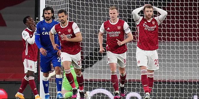 Arsenal ơi! Bao giờ mới trở lại như xưa