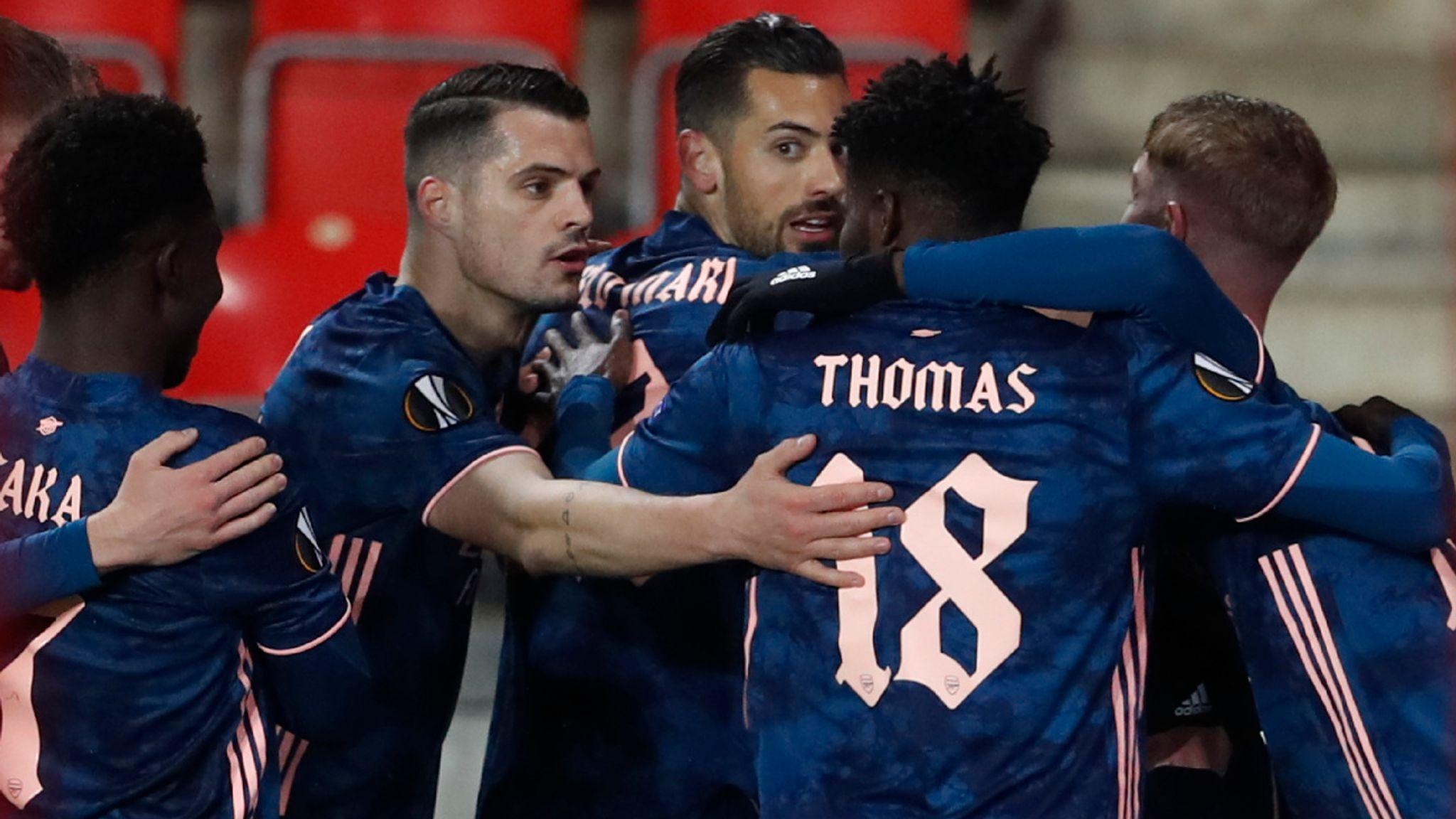 Gặp lại 'người cũ' ở bán kết Europa League, fan Pháo thủ lên tiếng: 'Cẩn thận với lão già Unai'