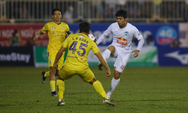 Hà Nội FC và Bầu Hiển chính là đối thủ lớn nhất của chính mình