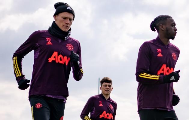 Cựu binh tái xuất, Man Utd sẵn sàng 'vượt ải' Granada